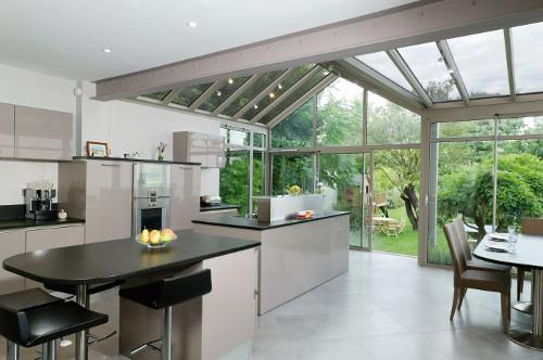 cuisine moderne dans une véranda