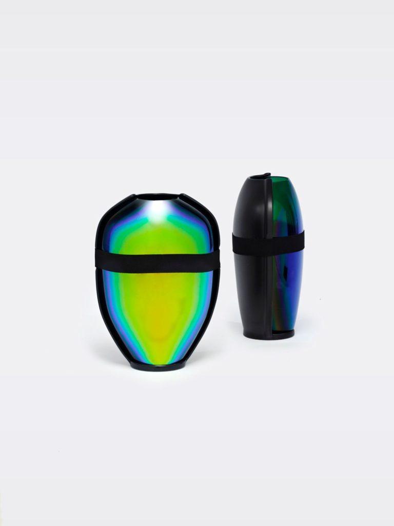 vase scarabee moustache