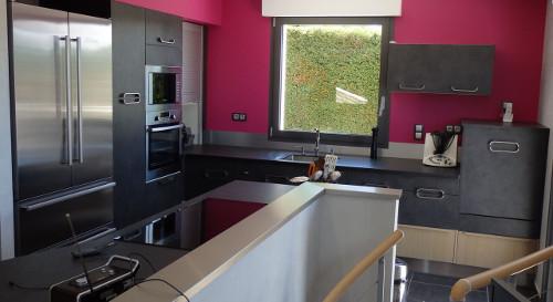 cuisine mur rose yssingeaux
