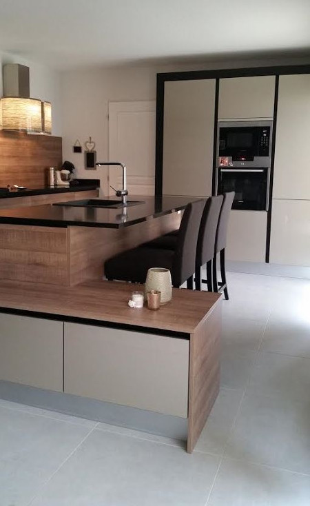 cuisine-moderne-hotte-doree-ermont