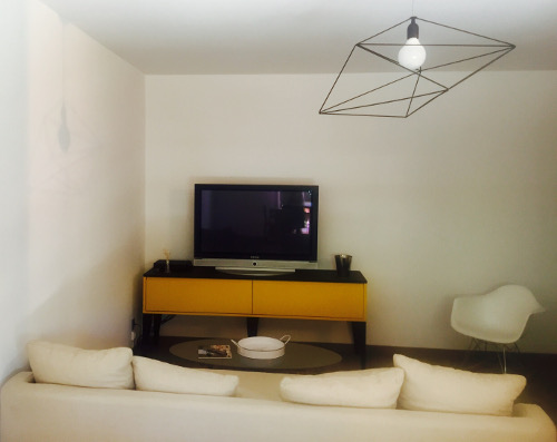 meuble-TV-jaune-alice-montpellier