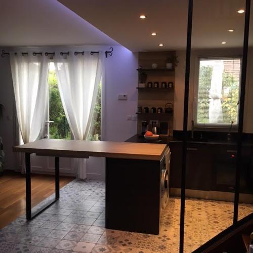 cuisine-sur-mesure-focntionnelle-sol-carreaux-de-ciment-ermont