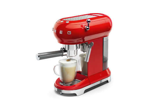 machine-a-cafe-smeg-rouge