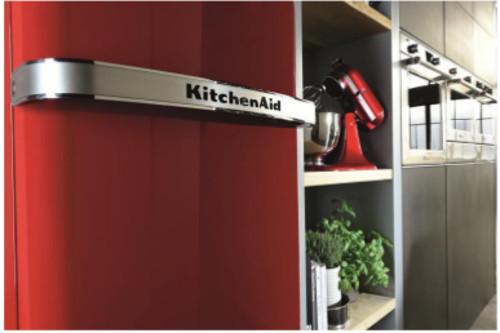 cuisine-refrigerateur-kitchenaid-iconic-fridge-poignee