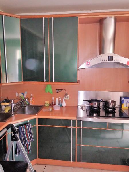 petite-cuisine-equipee-avant-renovation