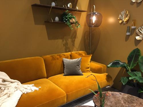 couleur-tendance-decoration-jaune-curry