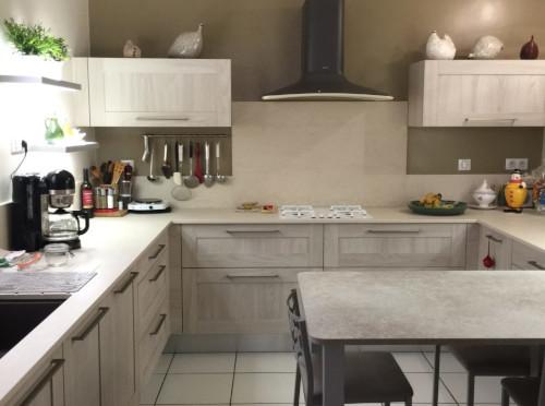 petite-cuisine-amenagee-rangements-ustensiles-chalon-sur-saone